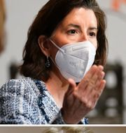 Arkivbilder. Handelsminister Gina Raimondo, Republikanernas Shelley Moore Capito och president Biden. TT