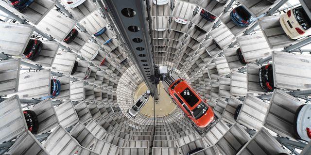Bilindustrin rasar i fortroende