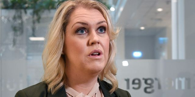 Socialminister Lena Hallengren. Ali Lorestani/TT / TT NYHETSBYRÅN