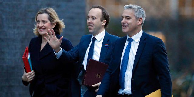 Arkivbild: Stephen Barclay (till höger), på väg till ett regeringsmöte, tillsammans med sjukvårdsministern Matt Hancock och arbets- och pensionsministern Amber Rudd. Alastair Grant / TT NYHETSBYRÅN/ NTB Scanpix