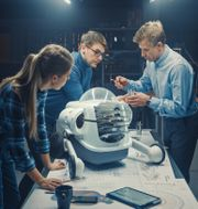 Att kunna hantera och reparera robotar är ett framtidsyrke Shutterstock