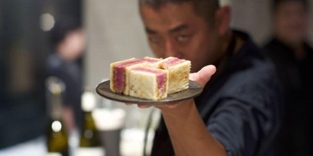 Krogen Wagyumafia i Tokyo gör succé med sin macka – för 1 800 kronor. Wagyumafia