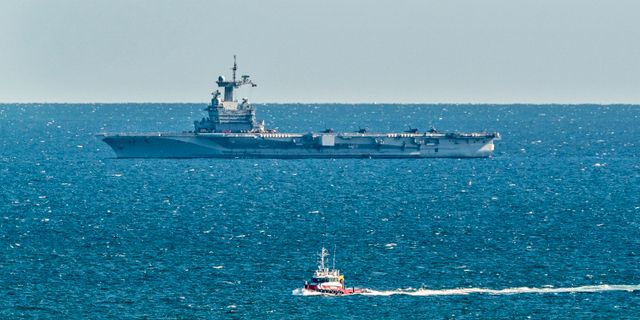 Militärfartyget Charles de Gaulle utanför Danmarks kust den 29 mars. Henning Bagger / TT NYHETSBYRÅN