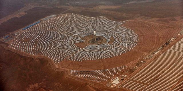 Marockos stora solkraftsanläggning i Ouarzazate i centrala Marocko. Abdeljalil Bounhar / TT NYHETSBYRÅN