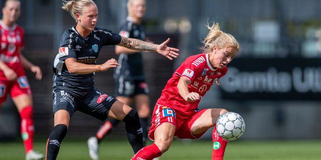 Mimmi Larsson och Filippa Curmark i duell. NICKLAS ELMRIN / BILDBYRÅN