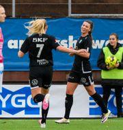 Göteborgs Pauline Hammarlund jublar efter 2-0. CARL SANDIN / BILDBYRÅN