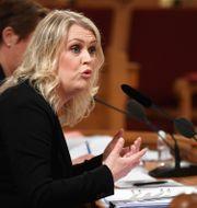 Socialminister Lena Hallengren (S) frågas ut i KU om regeringens agerande i samband med bland annat coronapandemin. Fredrik Sandberg/TT / TT NYHETSBYRÅN