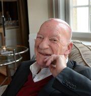 Förre Volvo-direktören PG Gyllenhammar är skeptisk till självkörande bilar. Anders Wiklund/TT