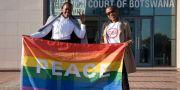 HBTQ-aktivister i Botswana firade när högsta domstolen avkriminaliserade homosexualitet.  TSHEKISO TEBALO / AFP
