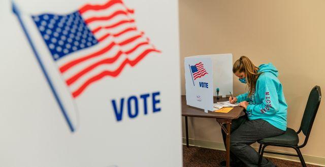 En kvinna röstar i Michigan David Goldman / TT NYHETSBYRÅN