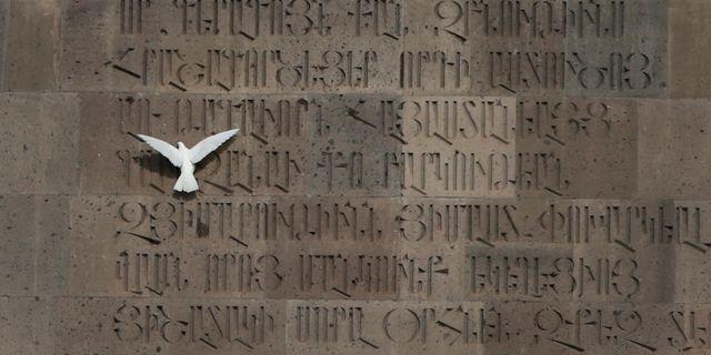 Momunent över folkmordet i Armeniens huvudstad Jerevan. Sergei Grits / TT / NTB Scanpix