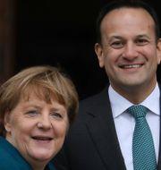 Angela Merkel och Leo Varadkar. Peter Morrison / TT NYHETSBYRÅN/ NTB Scanpix