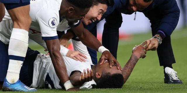 Tottenham firar Bergwijns mål. DAVID KLEIN / BILDBYRÅN