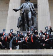 """Vargar på Wall Street i samband med filmsläppet """"Wolf of Wall Street"""" på Blue Ray 2014. Diane Bondareff / TT NYHETSBYRÅN"""