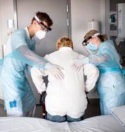 Tidigare covidpatient rehabiliteras på Akademiska sjukhuset i Uppsala.  Pontus Lundahl/TT / TT NYHETSBYRÅN