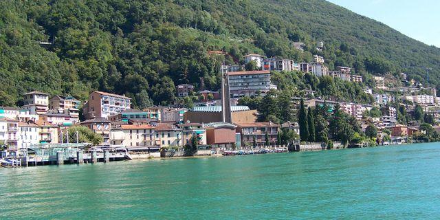 Campione d'Italia ligger vid Luganosjön. Stefano Petroni
