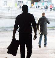 En man i silhuett/arkivbild.  FREDRIK SANDBERG / TT / TT NYHETSBYRÅN