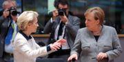 Ursula von der Leyen/Angela Merkel.  YVES HERMAN / TT NYHETSBYRÅN