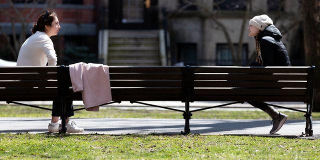 Social distansering i Boston. Michael Dwyer / TT NYHETSBYRÅN