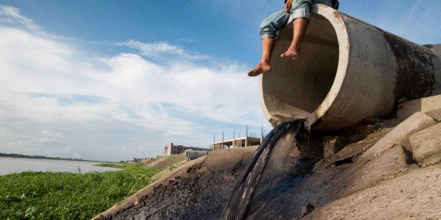 Bild från Bangladesh, utsläpp från garverier. A.M. Ahad / TT NYHETSBYRÅN