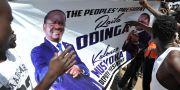 Plakat till stöd för Raila Odinga. Bilden är tagen i Nairobi den 30 januari.  TONY KARUMBA / AFP