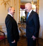 Vladimir Putin och Joe Biden Peter Klaunzer / TT NYHETSBYRÅN