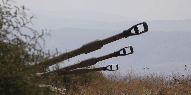 Israeliska stridsvagnar vid gränsen till Libanon. JALAA MAREY / AFP