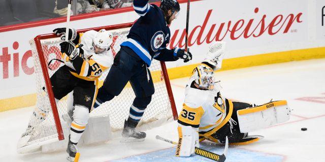 Inget mål den här gången. Det var Winnipegs Blake Wheeler som försökte. Fred Greenslade / TT NYHETSBYRÅN