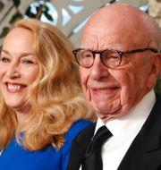 Donald Trump, Rupert Murdoch med partnern Jerry Hall. Arkivbilder. TT