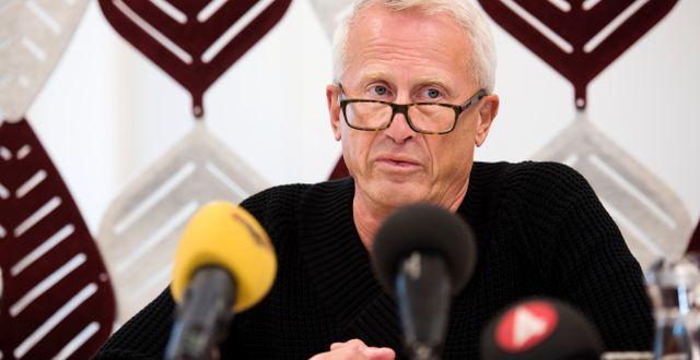 Hans Ytterberg, SHK, under en presskonferens dagen efter den flygolycka där nio människor omkom.  Erik Abel/TT / TT NYHETSBYRÅN