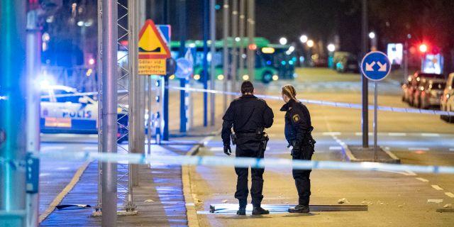 Avspärrningar efter en explosion i Malmö inatt.  Johan Nilsson/TT / TT NYHETSBYRÅN