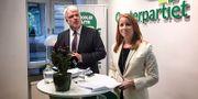 Centerns partisekreterare Michael Arthursson och Centerledaren Annie Lööf. Lars Larsson/TT / TT NYHETSBYRÅN