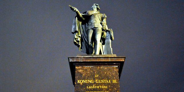 Statyn av Gustaf III på Skeppsbron i Stockholm. Hasse Holmberg / TT / TT NYHETSBYRÅN