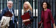 Geoffrey Cox, Esther McVey och Theresa Villiers får alla lämna sina jobb. TT