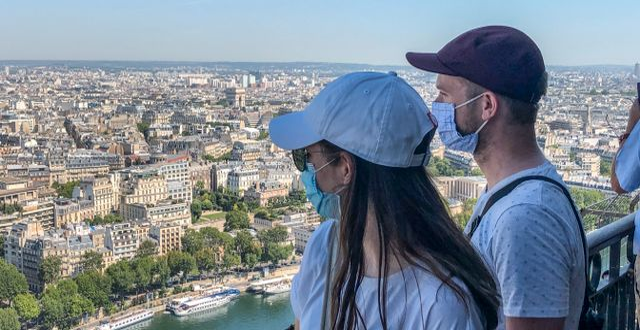 Turister i Paris.  Viktor Nummelin/TT / TT NYHETSBYRÅN