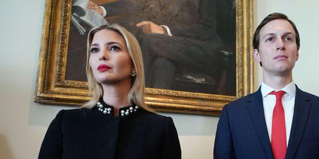Jared Kushner med hustrun Ivanka Trump. MANDEL NGAN / AFP