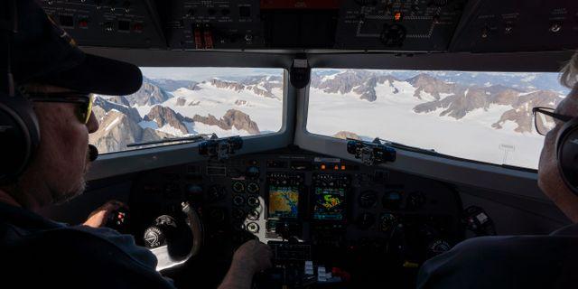Forskare flyger över Grönland/arkivbild.  Mstyslav Chernov / TT NYHETSBYRÅN