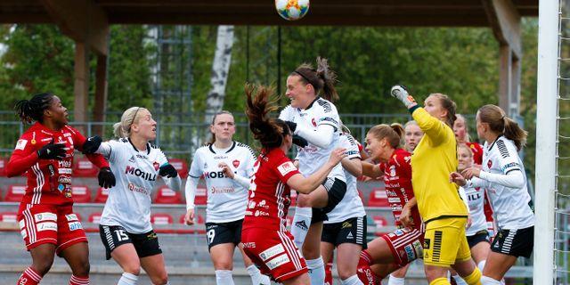 Piteå IF och Limham Bunkeflo spelar en match i damallsvenskan. Pär Bäckström/TT / TT NYHETSBYRÅN