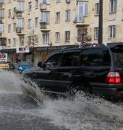 Översvämningarna i Kiev 25 juli. VALENTYN OGIRENKO / TT NYHETSBYRÅN