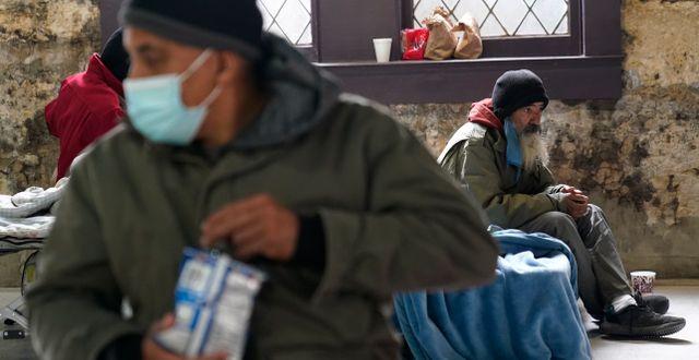 Människor söker skydd från kylan i Metodistkyrkans lokaler i San Antonio. Eric Gay / TT NYHETSBYRÅN