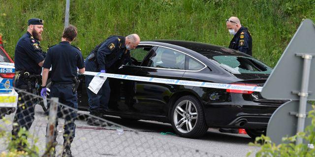 Man skjuten i bil dog av sina skador