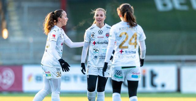 Rosengårds Athinna Persson Lundgren, Glodis Perla Viggosdottir och Matilda Eriksson Kristell. CHRISTOFFER BORG MATTISSON / BILDBYRÅN