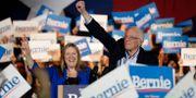 Bernie Sanders och hustrun Jane Sanders.  Eric Gay / TT NYHETSBYRÅN