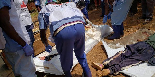 Röda Korset-medarbetare i Kongo. SEROS MUYISA / AFP
