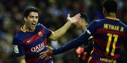 Luis Suárez jublar med Neymar när Barcelona körde över Real Madrid. JAVIER SORIANO / AFP