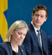 Arkivbild: Finansminister Magdalena Andersson (S) Emil Källström (C) och Mats Persson (L).  Pontus Lundahl/TT / TT NYHETSBYRÅN