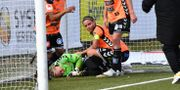 Kristianstadsmålvakten Brett Elizabeth Maron fick en smäll under söndagens fotbollsmatch i Damallsvenskan mellan FC Rosengård och Kristianstads DFF på Malmö IP.  Johan Nilsson/TT / TT NYHETSBYRÅN