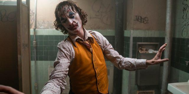Scen ur filmen Joker, med Joaquin Phoenix i titelrollen.  Niko Tavernise / TT NYHETSBYRÅN