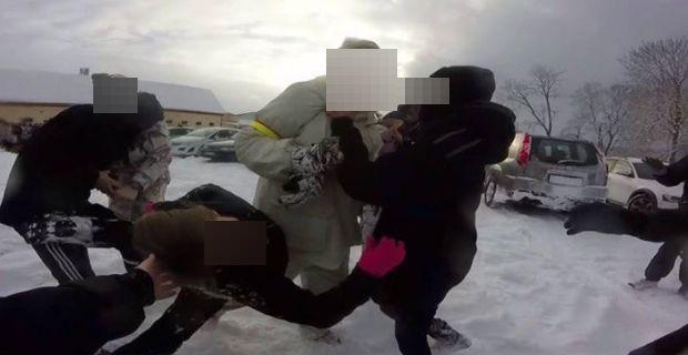 Skärmdump från film publicerad av Hunt Saboteurs Sweden.