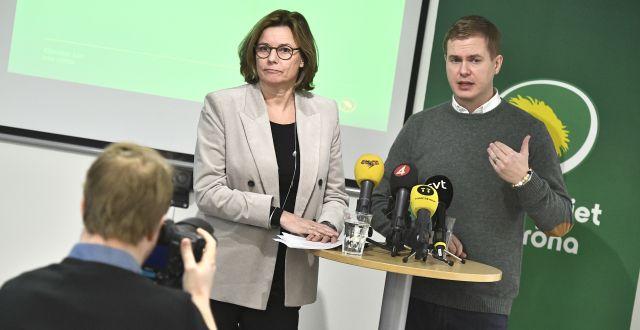 Ex-språkrören Isabella Lövin och Gustav Fridolin.  Claudio Bresciani/TT / TT NYHETSBYRÅN
